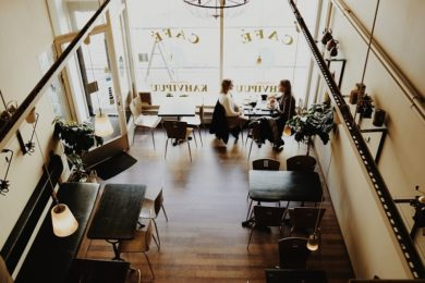 Ein Café will gut eingerichtet sein