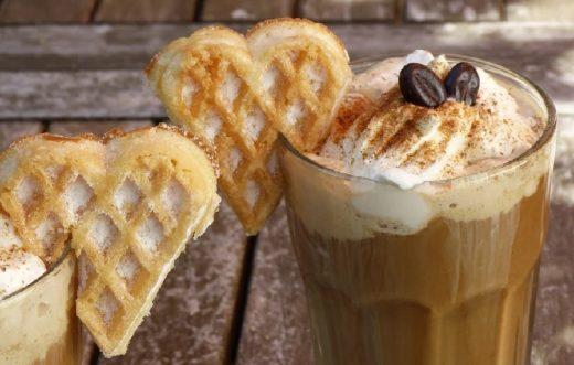 Eis-kalter Kaffee